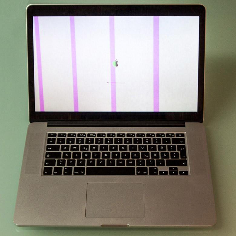 Der Bildschirm blinkt, flackert, flimmert oder zeigt merkwürdige Flächen und Flecken