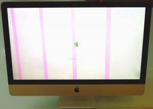 iMac mit rosa Streifen auf Display aufgrund von Grafikfehler
