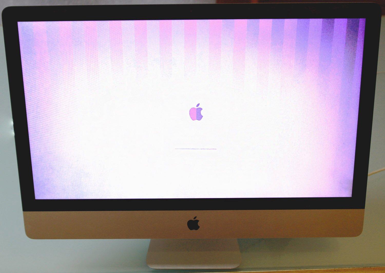 iMac mit dunklem Display aufgrund von Grafikfehler. iMac plötzlich streifen.