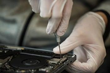 MacBook und iMac Reparatur in Dresden. Grafikfehler, Wasserschaden, Displayschaden Reparatur in Dresden