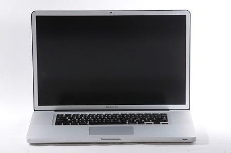 MacBook Pro Bildschirm Schwarz in Hamburg